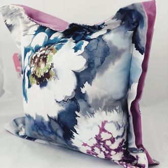 Диванная декоративная подушка с цветами. Подушка на замке.