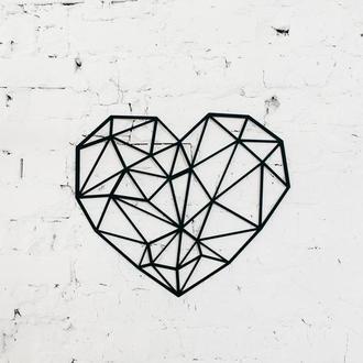 """Полигональная картина """"Геометрическое сердце"""""""