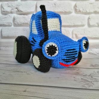 "Игрушка ""Синий трактор"" крючком"