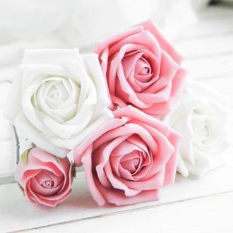 Шпильки с белыми и пудровыми розами, Цветы в прическу невесте