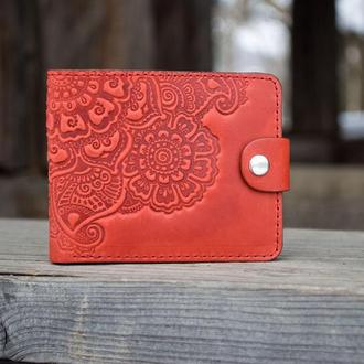 Маленький женский кошелек кожаный красный с орнаментом тиснение Бохо стиль