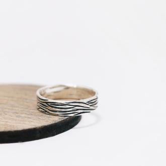 Серебряное кольцо с природной текстурой