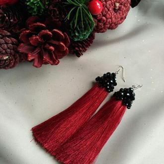 Нарядные серьги кисти красного цвета, вечерние аксессуары, украшения на выпускной.  Модный тренд это