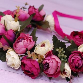Яркий объемный венок веночек с цветами