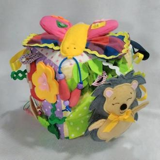 Развивающий кубик из ткани и фетра