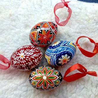 """Пасхальные деревянные яйца """"Писанка"""",  С авторской ручной  росписью. Яйцо на подвеске."""