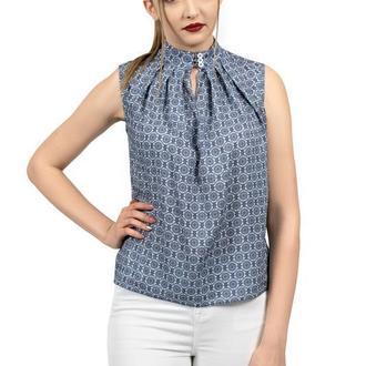 Блуза с синим узором