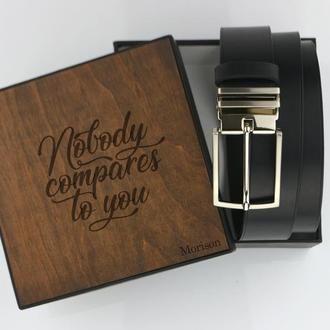 Кожаный ремень для мужчины, Подарок начальнику, Кожаный именной ремень, черный кожаный пояс