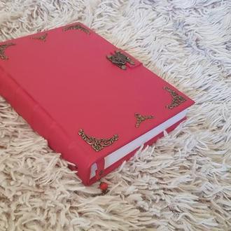 кожаный блокнот, дневник, красный