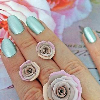 Комплект украшений кольцо и серьги розы клубничный латте