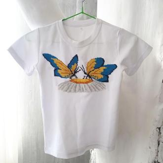 Детская футболка с вышивкой из бисера