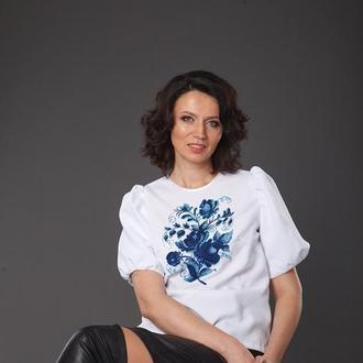 Блуза с вышивкой Гжель