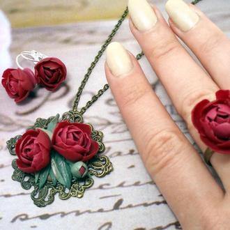 Комплект прикрас з квітами з полімерної глини кільце сережки кулон півонії бордо марсала