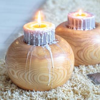 набір з двох свічників з деревини ясену