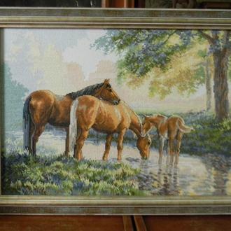 "Картина вышитая крестом ""Лошади на водопое"""