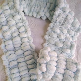небесно-голубой шарф