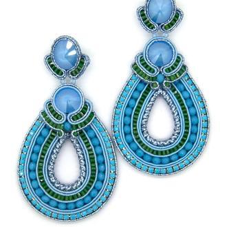 Крупные серьги в форме капли голубого цвета
