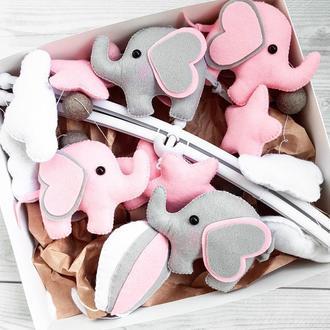 Мобиль из фетра для девочки со слониками. музыкальный мобиль