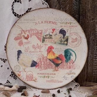 Декоративная тарелка в стиле прованс