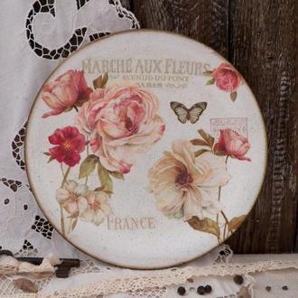 Декоративная тарелка в стиле винтаж