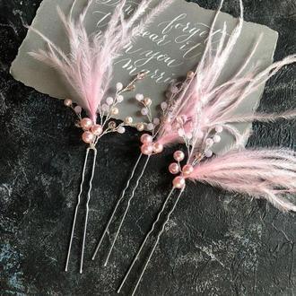 шпильки с перьями шпильки