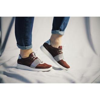 Бордовые замшевые кроссовки