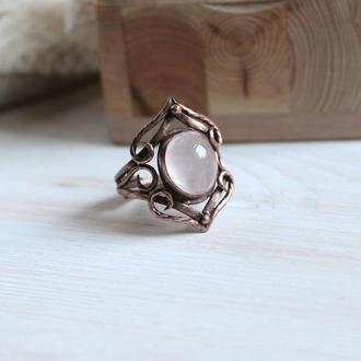Медное кольцо с розовым кварцем