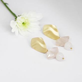 Серьги геометрия, серьги золотые с розовым кварцем, массивные украшения
