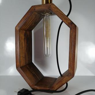 Настольная лампа в стиле лофт с лампой Эдисона.
