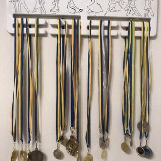Деревянный настенный держатель для медалей