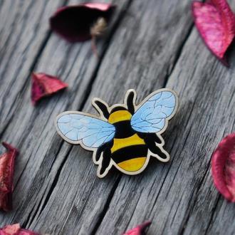 Деревянный значок, брошь - Пчела