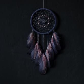 Темно серый ловец снов с розовыми перьями. Ловец снов подарок подруге. Ловец снов для девушки.