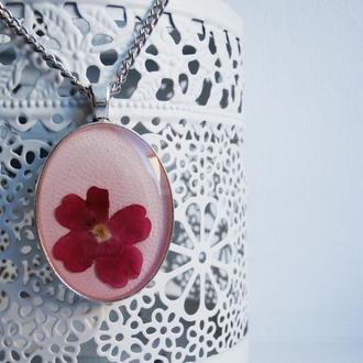 Кулон ручной работы с цветком вербены