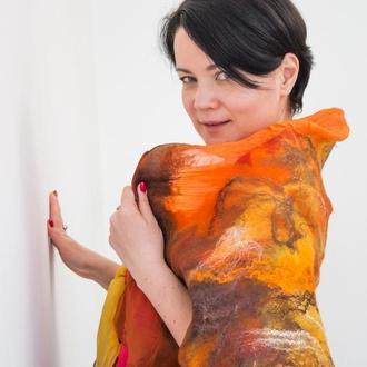 Яркий оранжевый палантин