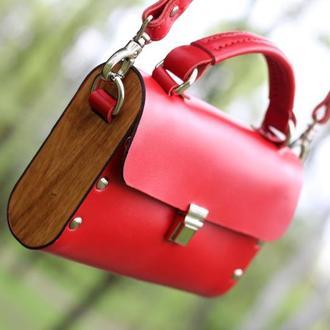 Винтажная сумочка из кожи и дерева