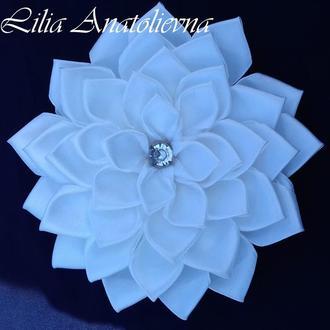 Белый цветок( заколка, резинка, повязка...)