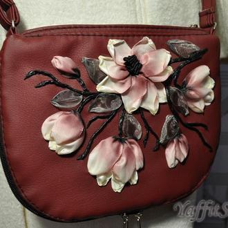 """Женская сумочка """"Magic magnolia"""" с оригинальной вышивкой"""