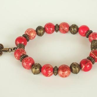 """Браслет """"Abracadabra"""" в Богемном стиле из красной яшмы и тибетских бусин с подвеской Сердечко"""