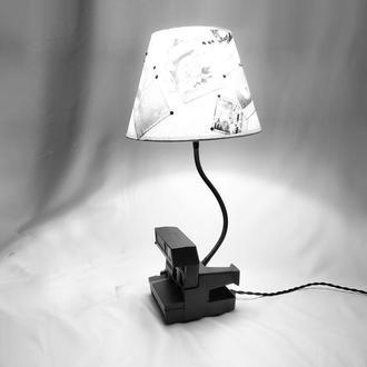 настольный светильник Polaroid с дизайнерским абажуром