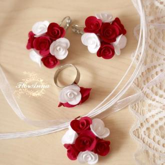 """Комплект прикрас з квітами """"Біло-червоні троянди"""""""