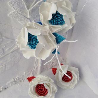 Фантазийные цветы на резинках.