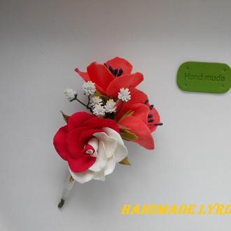 """Брошь - бутоньерка """"Роза с маками"""""""
