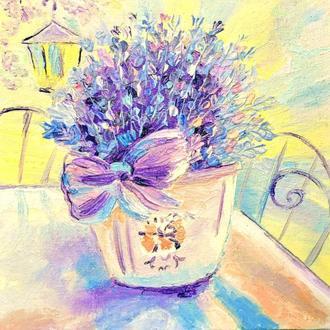 Лаванда в вазе с бантом. Объёмная живопись мастихином, картина маслом, 20x20см