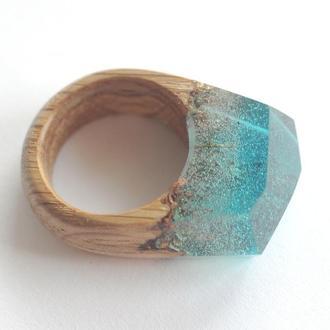 Перстень со смолой деревянный