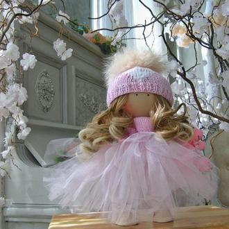 Кукла Нежно-розовое облачко с милым сердечком на шапочке