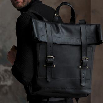 Большой черный кожаный рюкзак