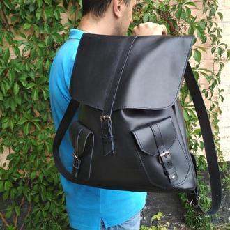 Черный большой кожаный рюкзак