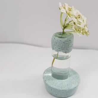 Мини ваза для полевых цветов из бетона и стекла, сделанная вручную, стиль Loft - с каемкой голубая