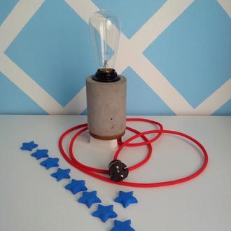 Настольная лампа ручной работы из бетона