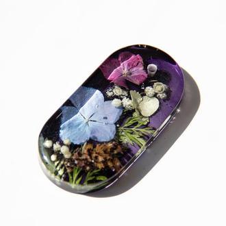 Кулон с цветочной композицией внутри